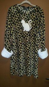 Cute little romper/nite gown, sz M/L